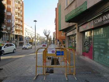 Obres al carrer de Jaume Isern.