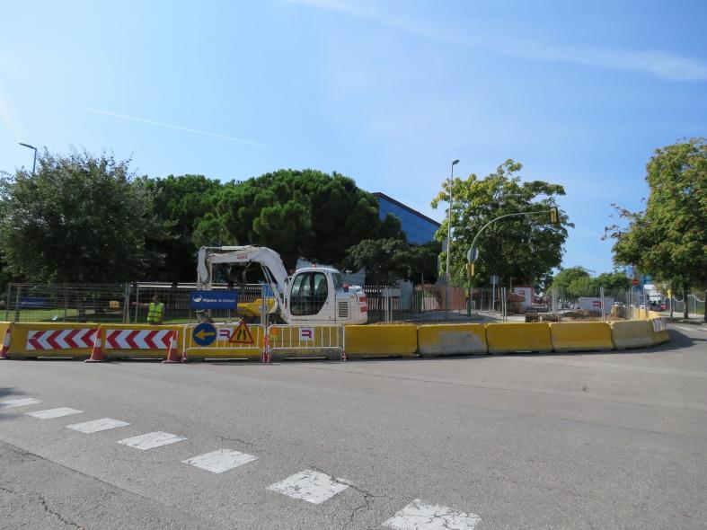 Obres al carrer de Josep Puig i Pidemunt.